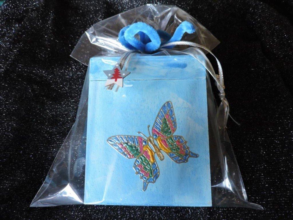 Serviettage Noël 2017-DSCN0841-Tirelire bois bleuté au papillon